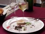Photo Tranche de foie gras mariné au Sauternes puis cuit au torchon - LES 2 MOINEAUX